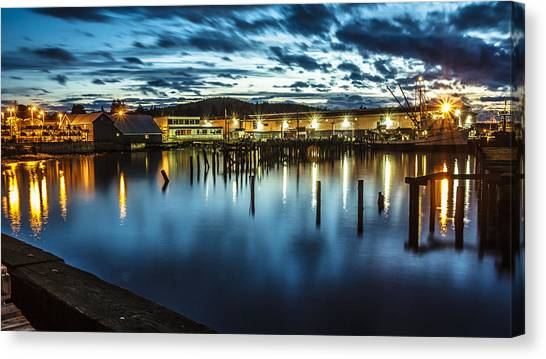 30 Sec Of The Blue Hour Canvas Print