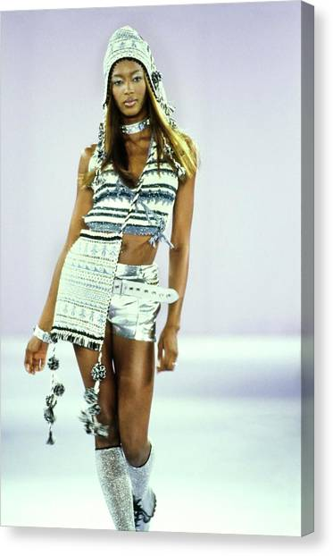 Naomi Campbell On A Runway For Anna Sui Canvas Print by Guy Marineau