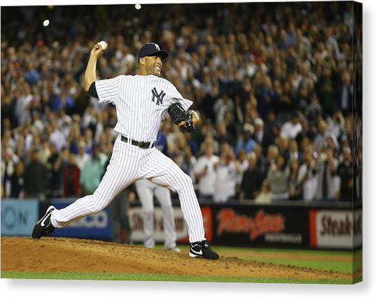 Tampa Bay Rays V New York Yankees Canvas Print by Al Bello
