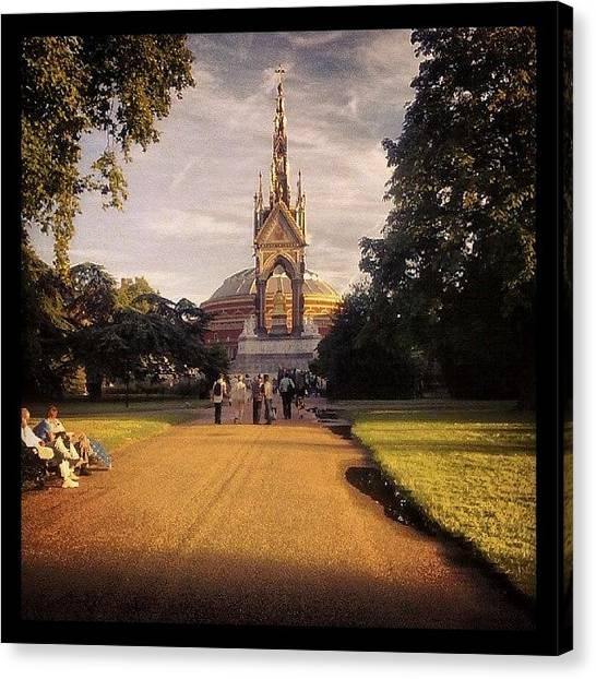 Hyde Park Canvas Print - Park Albert Memorial by Federico Sorbello