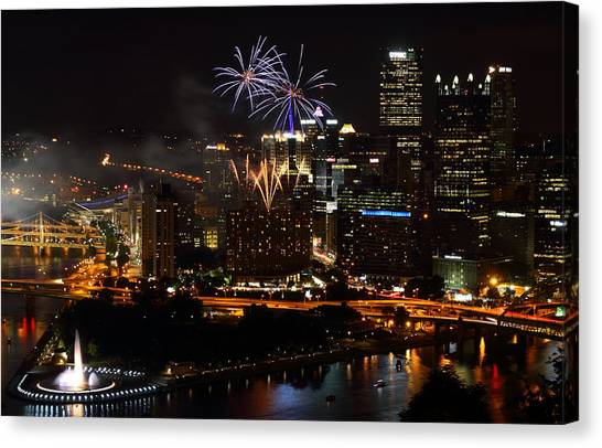 4th Of July Firworks In Pittsburgh Canvas Print
