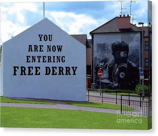 Free Derry Corner 3 Canvas Print
