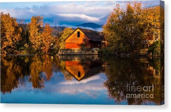 Classic Vermont Foliage. Canvas Print