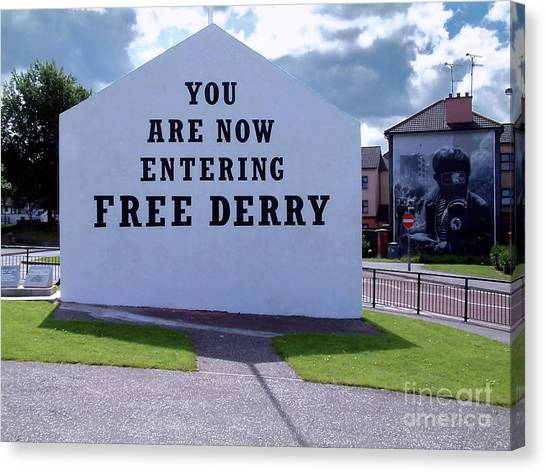 Free Derry Corner 4 Canvas Print