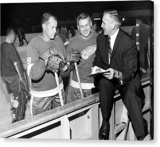 Hockey Players Canvas Print - Gordie Howe by Retro Images Archive