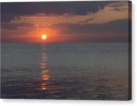 8.16.13 Sunrise Over Lake Michigan North Of Chicago 004 Canvas Print