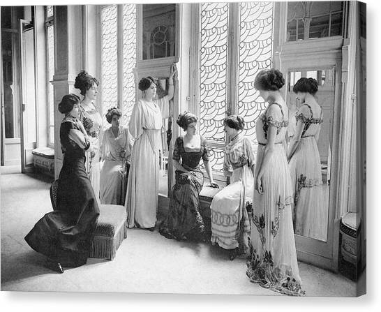 A Group Of Mannequins Relax  And Chat Canvas Print by Mary Evans Picture Library