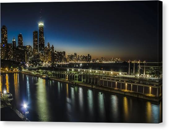 A Unique Look At The Chicago Skyline At Dusk Canvas Print