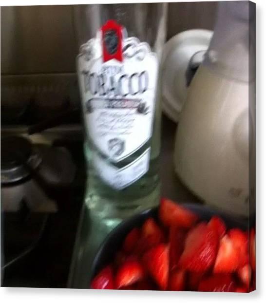 Rum Canvas Print - Aardbeien Cocktails #strawberry by Nikki Jansen