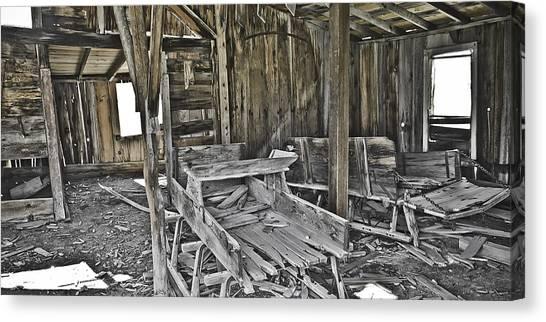 Abandon Barn Canvas Print by Richard Balison