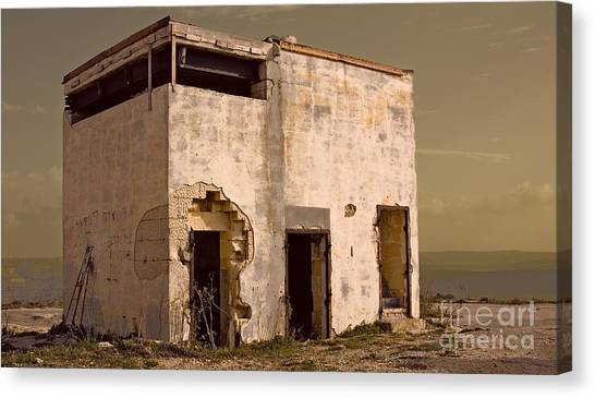 Abandoned Dreams Canvas Print