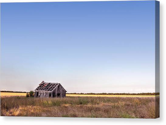 Abandoned Farmhouse In A Field Canvas Print