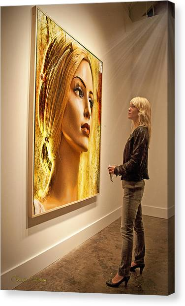 Admiring Beauty Canvas Print