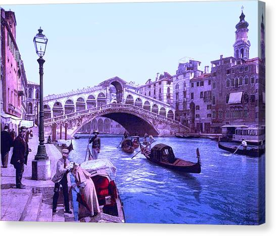 Afternoon At The Rialto Bridge Venice Italy II Canvas Print by L Brown