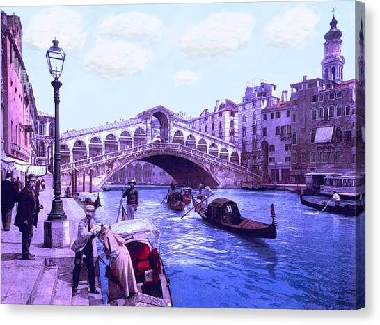 Afternoon At The Rialto Bridge Venice Italy Canvas Print by L Brown