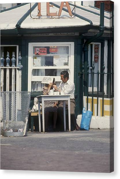 Afternoon Tea With Mum At The Seaside Canvas Print by Daniel Blatt