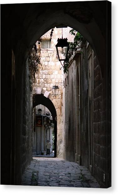 Aleppo Alleyway01 Canvas Print