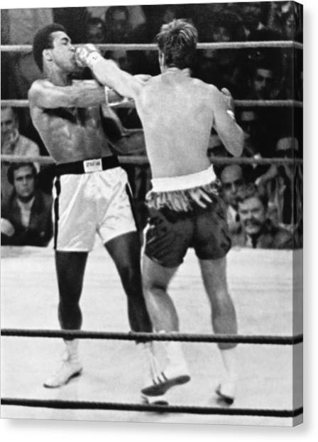 Muhammad Ali Canvas Print - Ali-quarry Fight by Underwood Archives