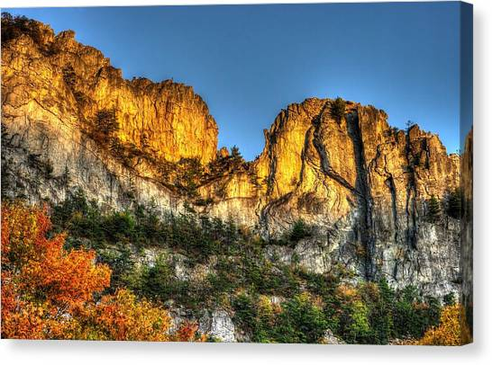 Alpenglow At Days End Seneca Rocks - Seneca Rocks National Recreation Area Wv Autumn Early Evening Canvas Print
