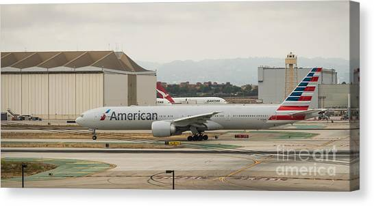American Airliner On Runway At Lax In May 2014 Canvas Print