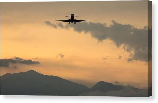 American Airlines Approach Canvas Print