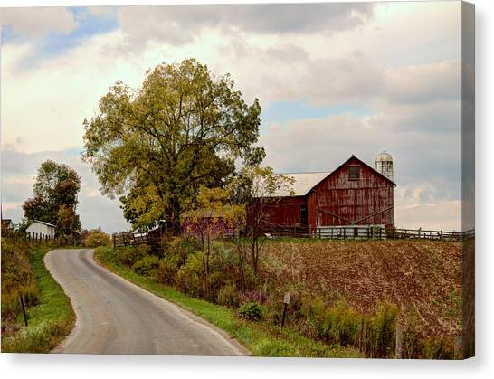 Amish Farm II Canvas Print