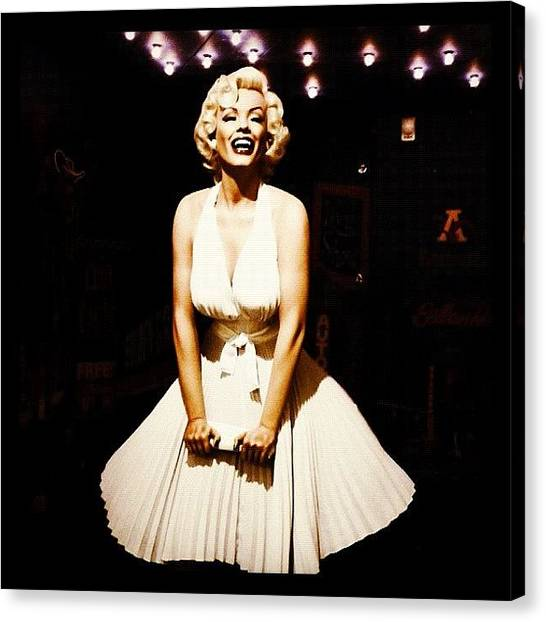Marilyn Monroe Canvas Print - Marilyn Monroe by Clare Hardy