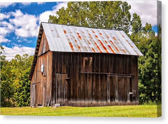 An American Barn 2 Canvas Print