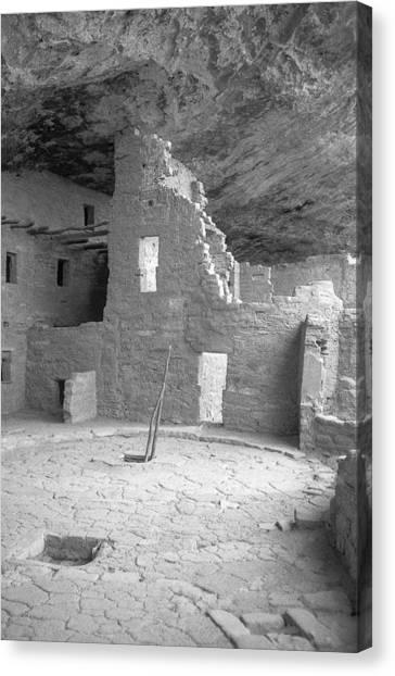 Anasazi Ruin At Mesa Verde Canvas Print