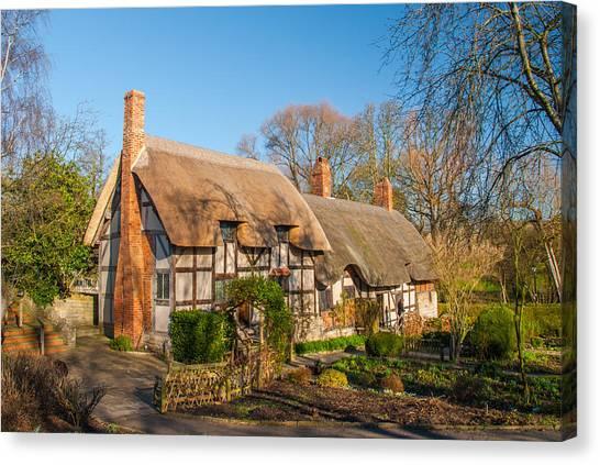 Anne Hathaways Cottage Stratford Upon Avon Canvas Print by David Ross