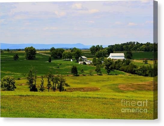 Antietam Battlefield And Mumma Farm Canvas Print