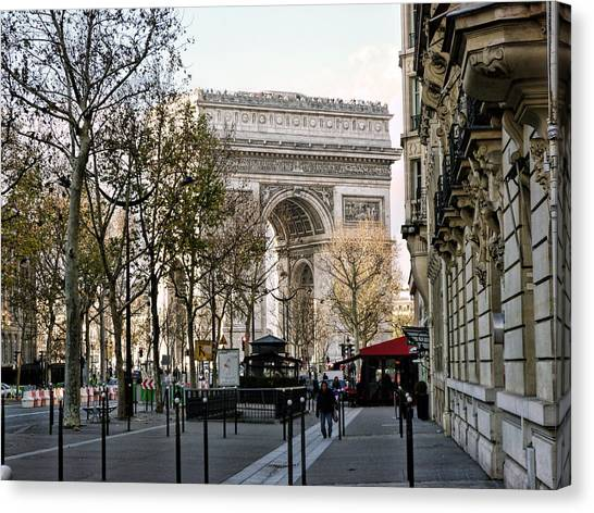 Arc De Triomphe Paris Canvas Print