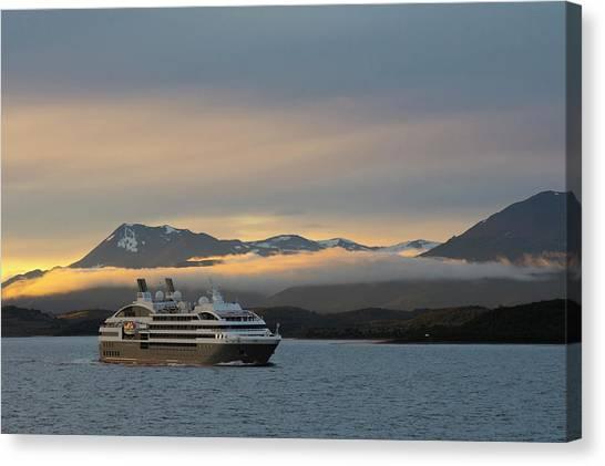 Beagles Canvas Print - Argentina Tierra Del Fuego Beagle by Inger Hogstrom