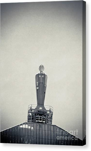 Art Deco Ceres Statue At The Board Of Trade Canvas Print