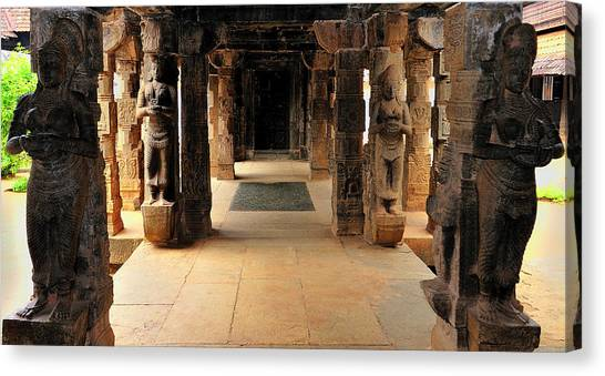 Asia, India, Tamil Nadu, Padmanabhapuram Canvas Print by Steve Roxbury