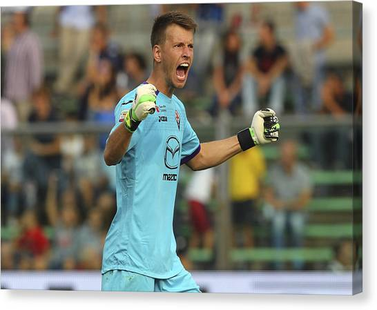 Atalanta Bc V Acf Fiorentina - Serie A Canvas Print by Marco Luzzani