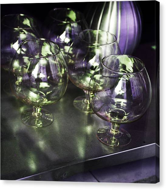 Aubergine Paris Wine Glasses Canvas Print