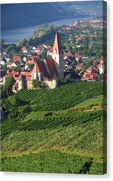 Austria, Wachau, Weissenkirchen, View Canvas Print by Westend61