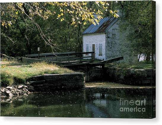 Autumn At The Lockhouse Canvas Print