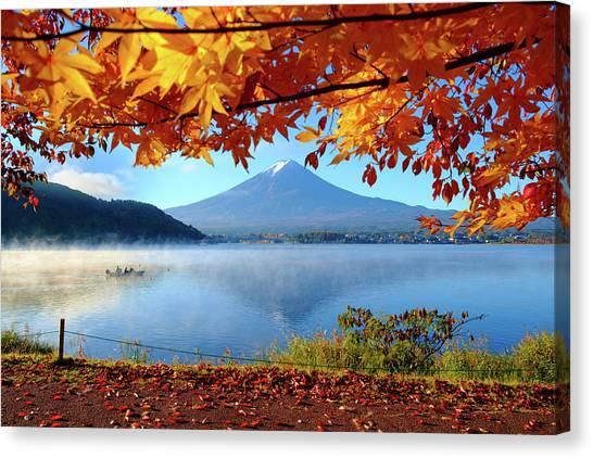 Autumn Kawaguchiko Lake And Mt.fuji Canvas Print by Dewpixs Photography