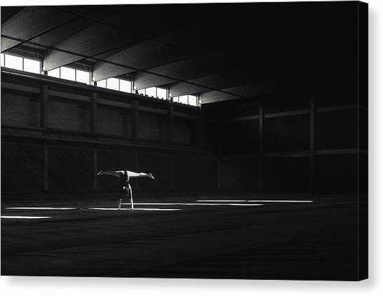 Gym Canvas Print - Ballando Nella Luce by