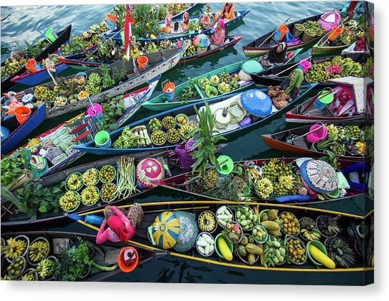 Traditional Canvas Print - Banjarmasin Floating Market by Fauzan Maududdin