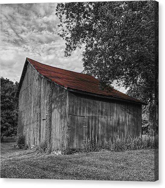 Barn At Avenel Plantation - Red Roof Canvas Print