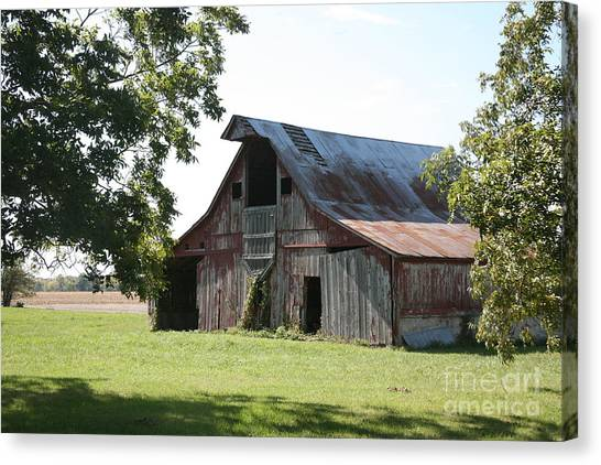 Barn In Missouri Canvas Print