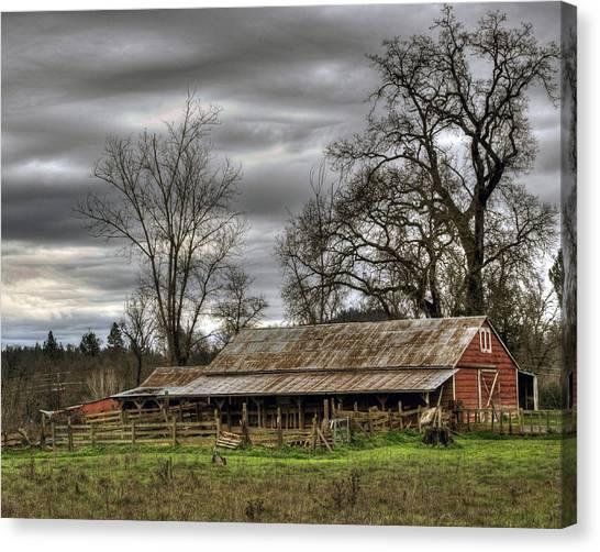 Barn In Penn Valley Canvas Print