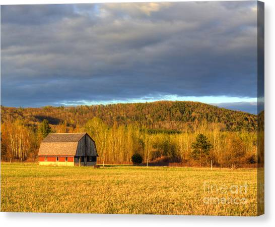 Oneida Canvas Print - Barn In The Dunes by Twenty Two North Photography