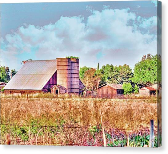 Barn On Interstate 5 Ef Canvas Print