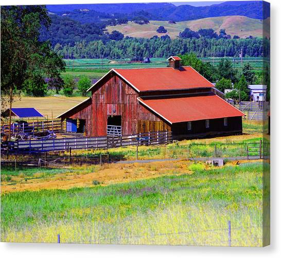 Barn On Route To Fort Bragg Canvas Print