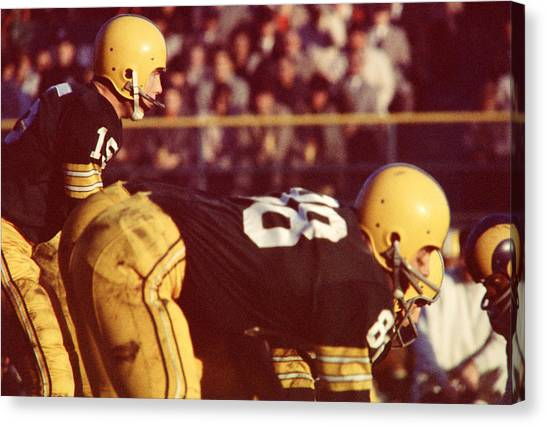 Los Angeles Rams Canvas Print - Bart Starr Ready For Snap by Retro Images Archive