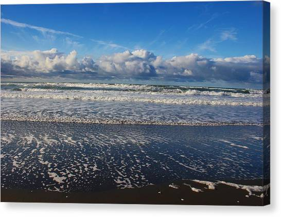 Beckoning Sea Canvas Print